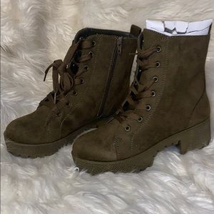 Brand new olive green boots!! Size 6
